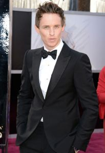 eddie_redmayne_blue_steel_oscars_2013_red_carpet_18il7s9-18il7sk